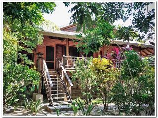 Casa Mariposa - Sleeps 4 Your Perfect Diving Home! - Roatan vacation rentals