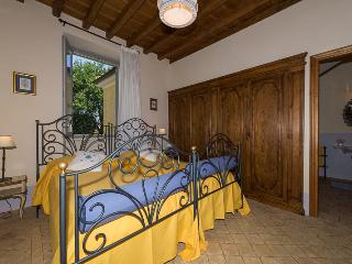 B&B Double/Twin Bedroom with ensuite - Capranica vacation rentals