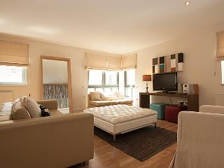 Stylish Apartment Cheltenham 4 - Cheltenham vacation rentals