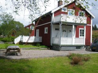 Nice Cottage with Satellite Or Cable TV and Television - Filipstad vacation rentals