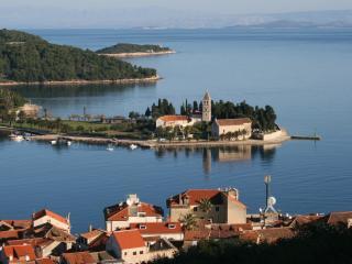 Kuca Visoka - The Tall House - Vis vacation rentals