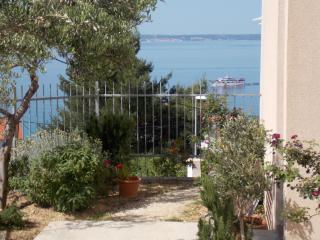 Apartment SUTTON - Podstrana vacation rentals