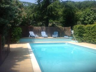 Beautiful Gite with Internet Access and Satellite Or Cable TV - Monlong vacation rentals