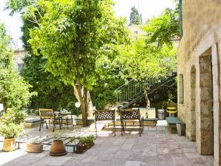 Perfect Location - Garden House - The Suita Sleep 4 - Magas House - Jerusalem vacation rentals