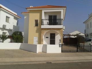 Lovely Villa with Internet Access and A/C - Liopetri vacation rentals