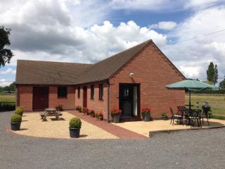 Oak Tree Lodge - Stratford-upon-Avon vacation rentals