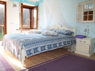 Beautiful 3 bedroom Feltre Cottage with Internet Access - Feltre vacation rentals