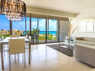 3 Bedroom Penthouse Unit with Ocean Views! - Playa del Carmen vacation rentals