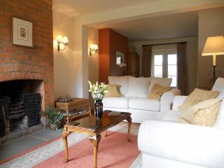 Lavender Cottage, Farnborough, Oxfordshire. - Banbury vacation rentals