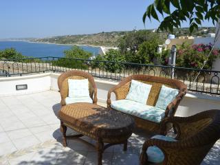 Cozy 3 bedroom Marina San Gregorio House with A/C - Marina San Gregorio vacation rentals