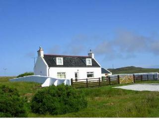 Comfortable 2 bedroom Lochinver Cottage with Internet Access - Lochinver vacation rentals