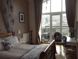 Huddersfield Holiday Home - Huddersfield vacation rentals