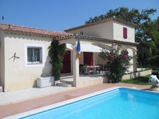 BELLE VILLA A  SAINT MARTIN DE CRAU - Saint-Martin-de-Crau vacation rentals