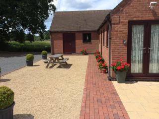 Nice 2 bedroom Barn in Stratford-upon-Avon - Stratford-upon-Avon vacation rentals