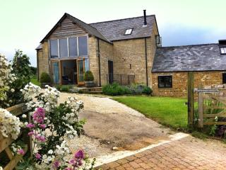 Stepwell, Barton on the Heath. - Long Compton vacation rentals