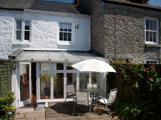 Three Blind Mice - pretty cottage with garden - Mousehole vacation rentals