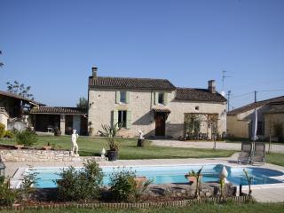2 bedroom Gite with Garden in Sainte Foy-la-Grande - Sainte Foy-la-Grande vacation rentals
