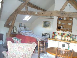 Comfortable 1 bedroom Condo in Leominster - Leominster vacation rentals