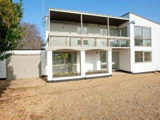 Wonderful 4 bedroom Old Hunstanton House with Deck - Old Hunstanton vacation rentals