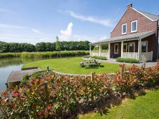 3 bedroom Chalet with Central Heating in Rotterdam - Rotterdam vacation rentals