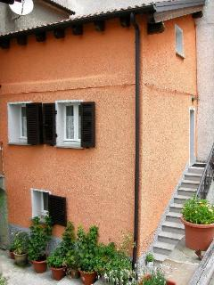Casa Terracotta, Cosy Self-Catering Holiday Home - Bedonia vacation rentals