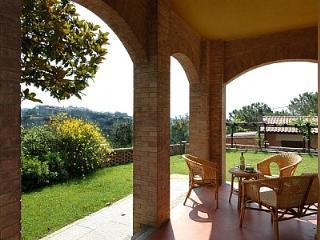Appartamento Reginaldo B - San Gimignano vacation rentals