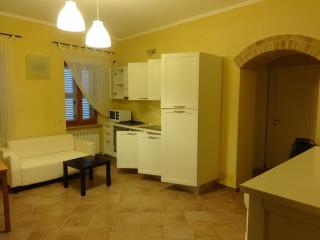 2 bedroom House with Garden in Sant'Angelo In Pontano - Sant'Angelo In Pontano vacation rentals