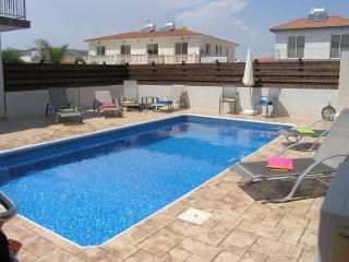 Comfortable 4 bedroom Alethriko Villa with Internet Access - Alethriko vacation rentals
