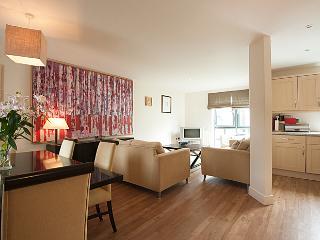 Stylish Apartment Cheltenham 5 - Cheltenham vacation rentals