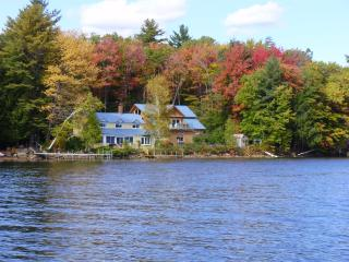 Pvt Home w/200 ft. lake front, dock, boats, yr rnd - Sanbornton vacation rentals