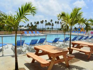 Cottage tout confort 2 chambres, 5 pers. plage, piscine, wifi - Le Vauclin vacation rentals