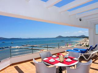 Beachfront apartment Tanamar - Port de Pollenca vacation rentals
