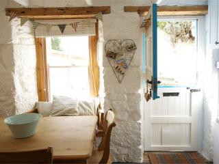 Pretty Cottage by the beach in Downalong St Ives - Saint Ives vacation rentals