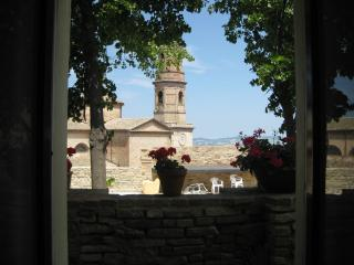 Charming Townhouse with Internet Access and Satellite Or Cable TV - Montalto delle Marche vacation rentals