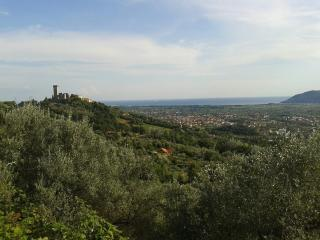 Casa Vista Mare e Castello Medievale - Castelnuovo Magra vacation rentals