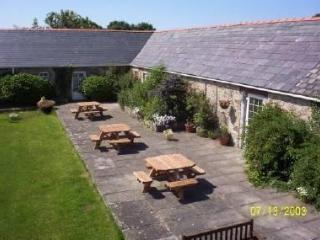 1 Glantraeth Farm Holiday Cottage - Malltraeth vacation rentals