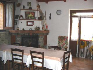 7 bedroom Finca with Internet Access in Cerchiara di Calabria - Cerchiara di Calabria vacation rentals