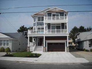 Beautiful House with Deck and Internet Access - Brigantine vacation rentals
