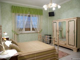 Bright 5 bedroom Apartment in Tricase - Tricase vacation rentals