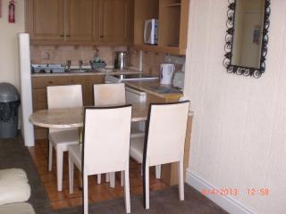 Cozy 2 bedroom Apartment in Blackpool - Blackpool vacation rentals