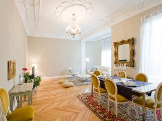 Alonso Martinez apartment - Madrid vacation rentals