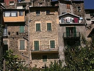 Comfortable House with Television and DVD Player - Pigna vacation rentals