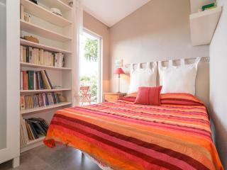 Room for 2 + camping for 3 - Otivar vacation rentals