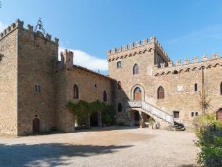 Villa in Lake Trasimeno, Umbria, Italy - Torricella di Magione vacation rentals