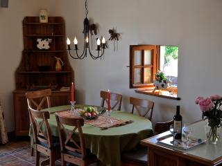 Lovely Barn with Internet Access and Dishwasher - Castelsagrat vacation rentals