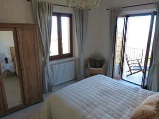 Perfect 2 bedroom Condo in Montedinove - Montedinove vacation rentals