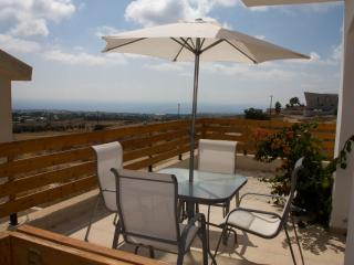 Nice 2 bedroom Tremithousa Townhouse with A/C - Tremithousa vacation rentals