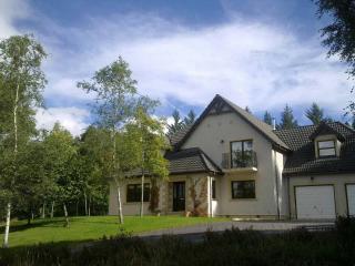 Comfortable 3 bedroom Glen Urquhart House with Internet Access - Glen Urquhart vacation rentals