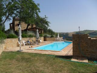 Wonderful Farmhouse Barn with Internet Access and Grill - Gualdo vacation rentals