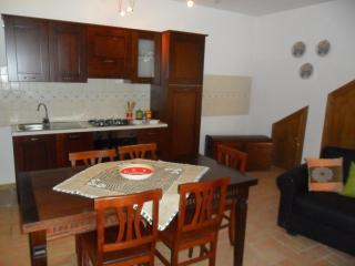Adorable House with Washing Machine and Television - Assisi vacation rentals